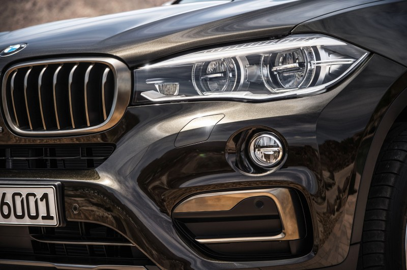 2015 BMW X6 Debuts Tech-tastic 445HP xDrive50i and New Rear-Drive sDrive35i 26
