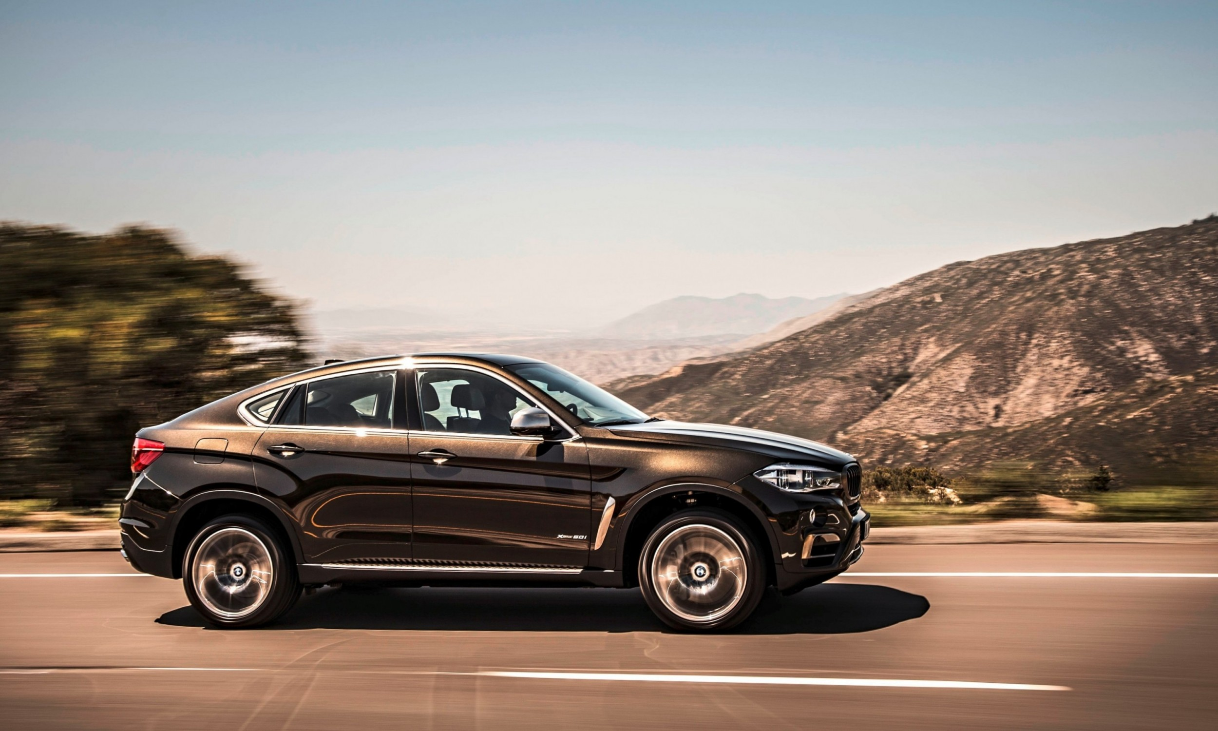 Official 2015 Bmw X6 Debuts Tech Tastic 445hp Xdrive50i And New