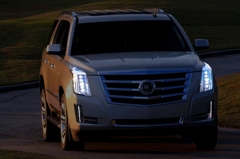 2015-Cadillac-Escalade-0991