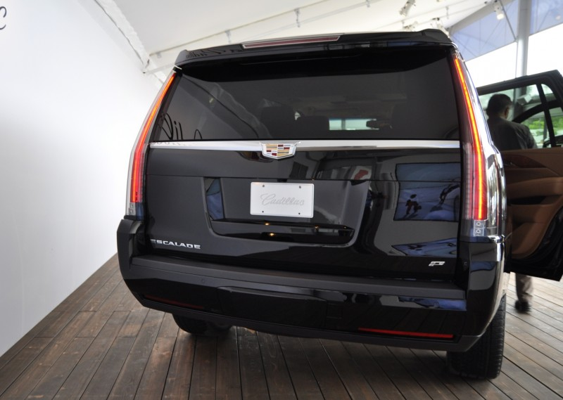 2015 Cadillac Escalade Platinum and Standard Model Unveiled for Pebble Beach 23