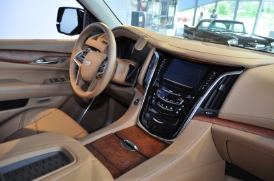 2015 Cadillac Escalade Platinum and Standard Model Unveiled for Pebble Beach 40