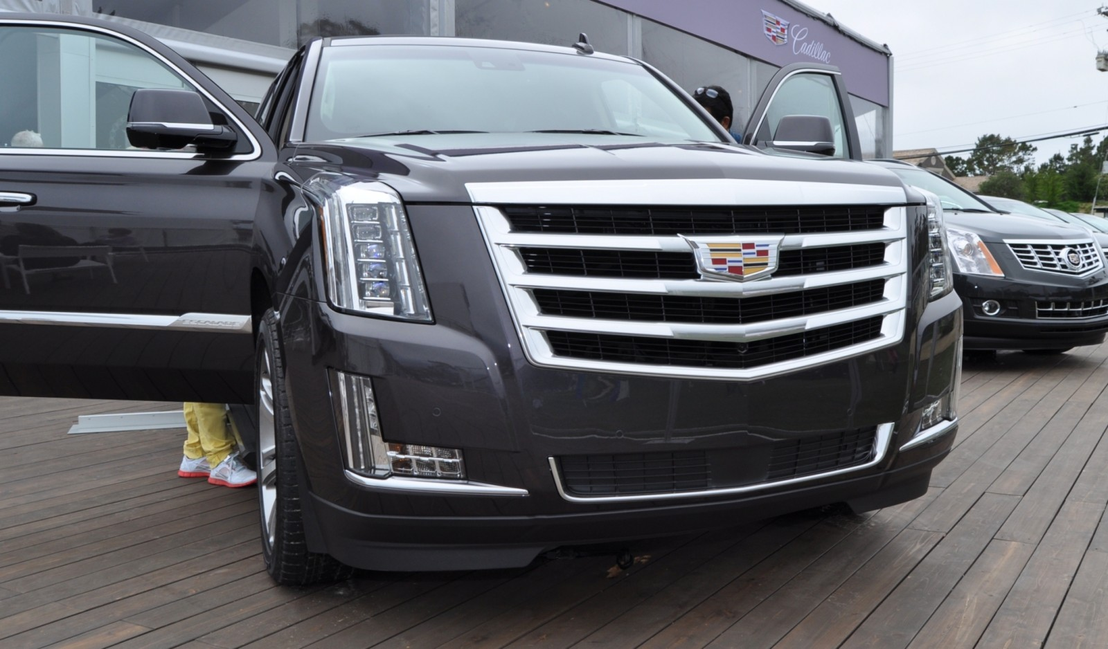2015 Cadillac Escalade Platinum and Standard Model Unveiled for Pebble Beach 63