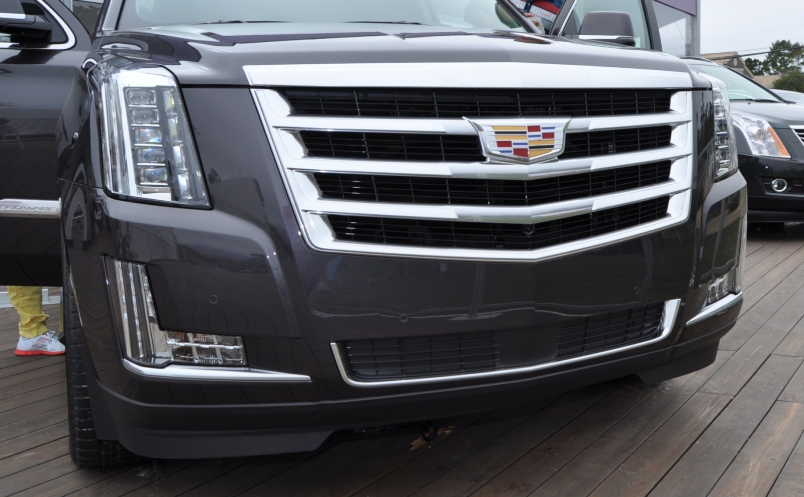 2015 Cadillac Escalade Platinum and Standard Model Unveiled for Pebble Beach 64