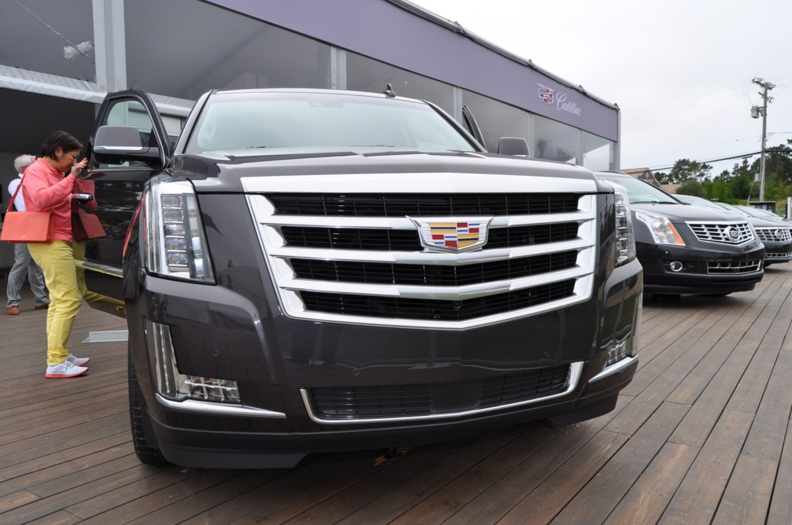 2015 Cadillac Escalade Platinum and Standard Model Unveiled for Pebble Beach 65