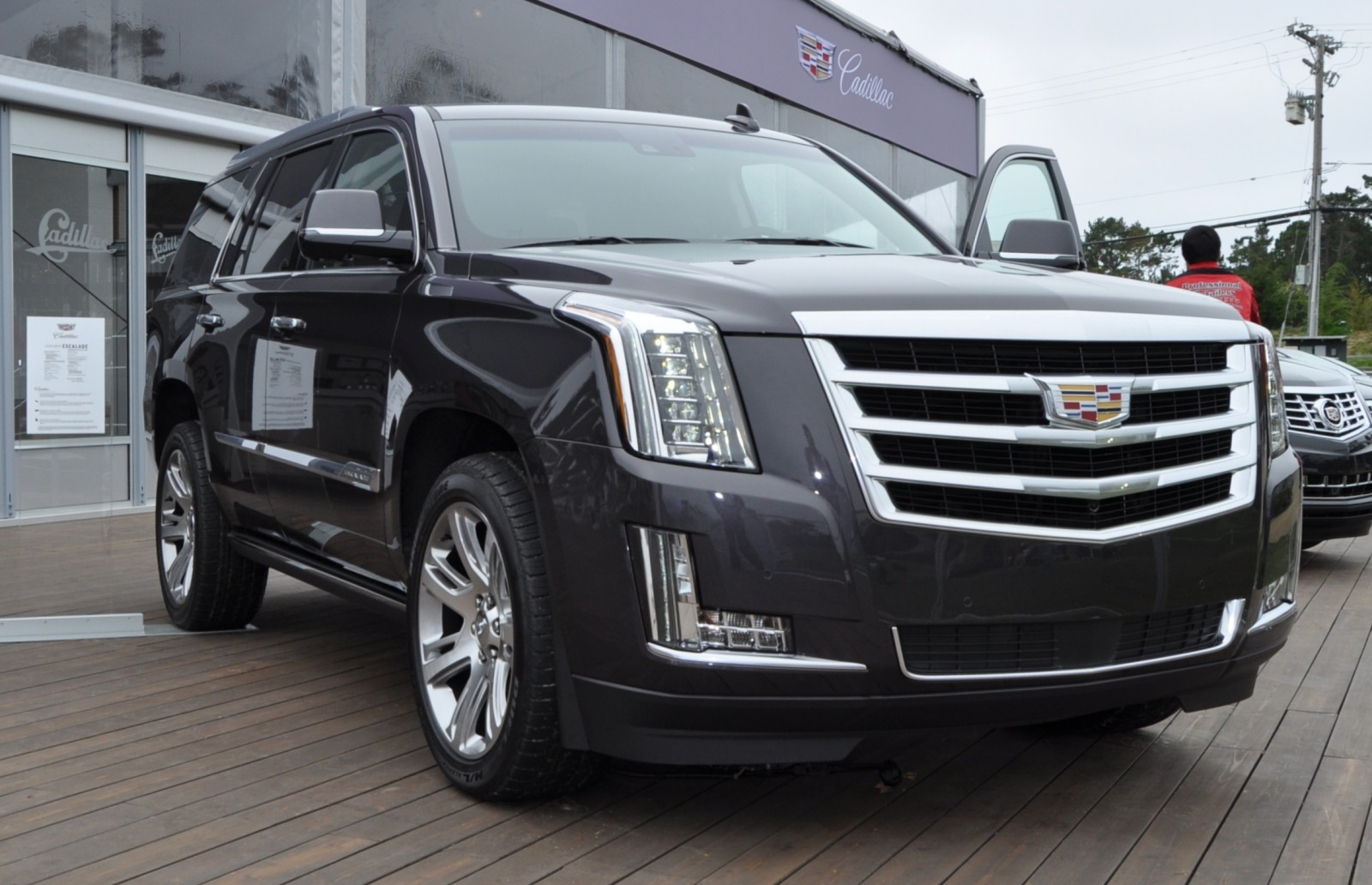 2015 Cadillac Escalade Platinum and Standard Model Unveiled for Pebble Beach 71
