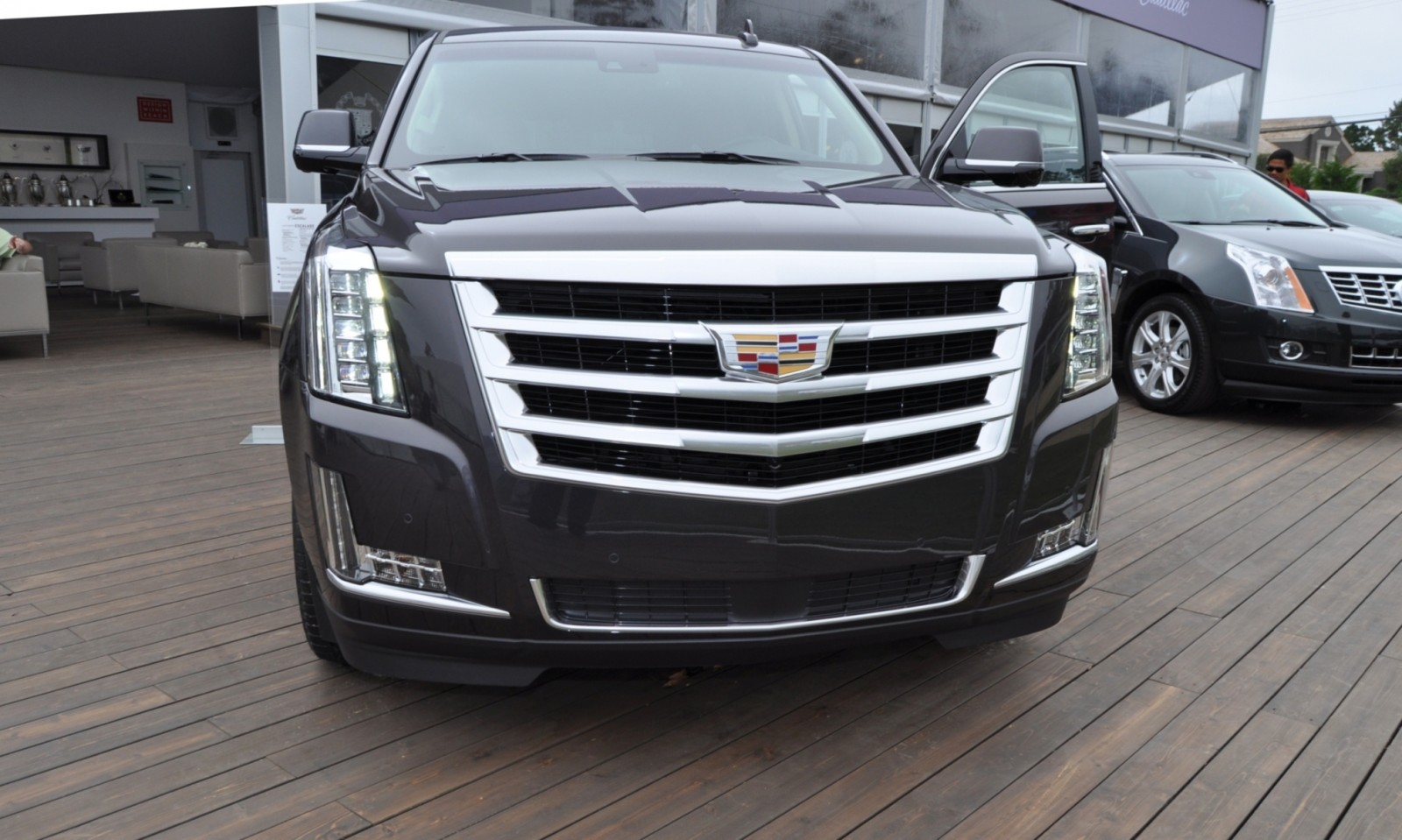 2015 Cadillac Escalade Platinum and Standard Model Unveiled for Pebble Beach 75