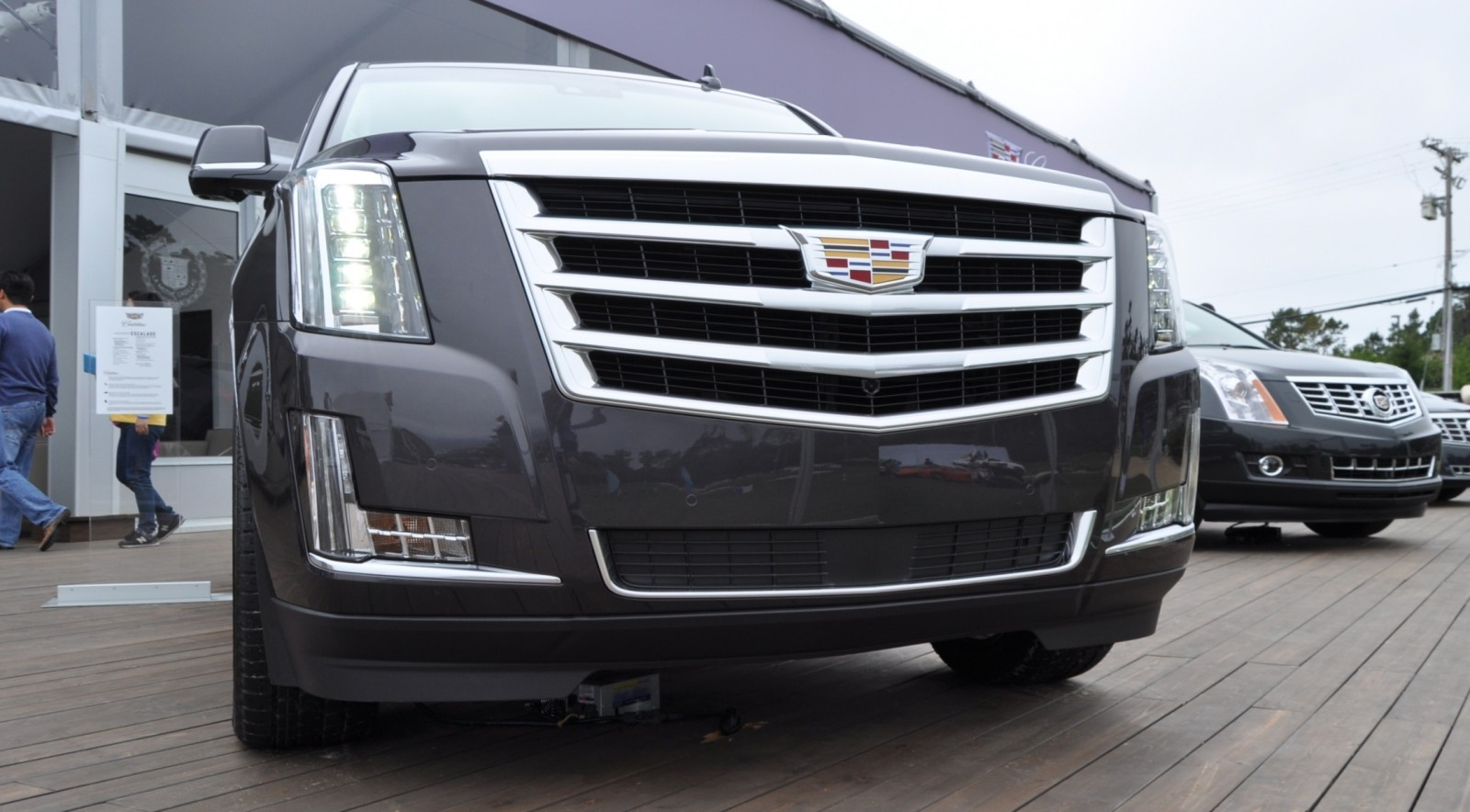 2015 Cadillac Escalade Platinum and Standard Model Unveiled for Pebble Beach 78