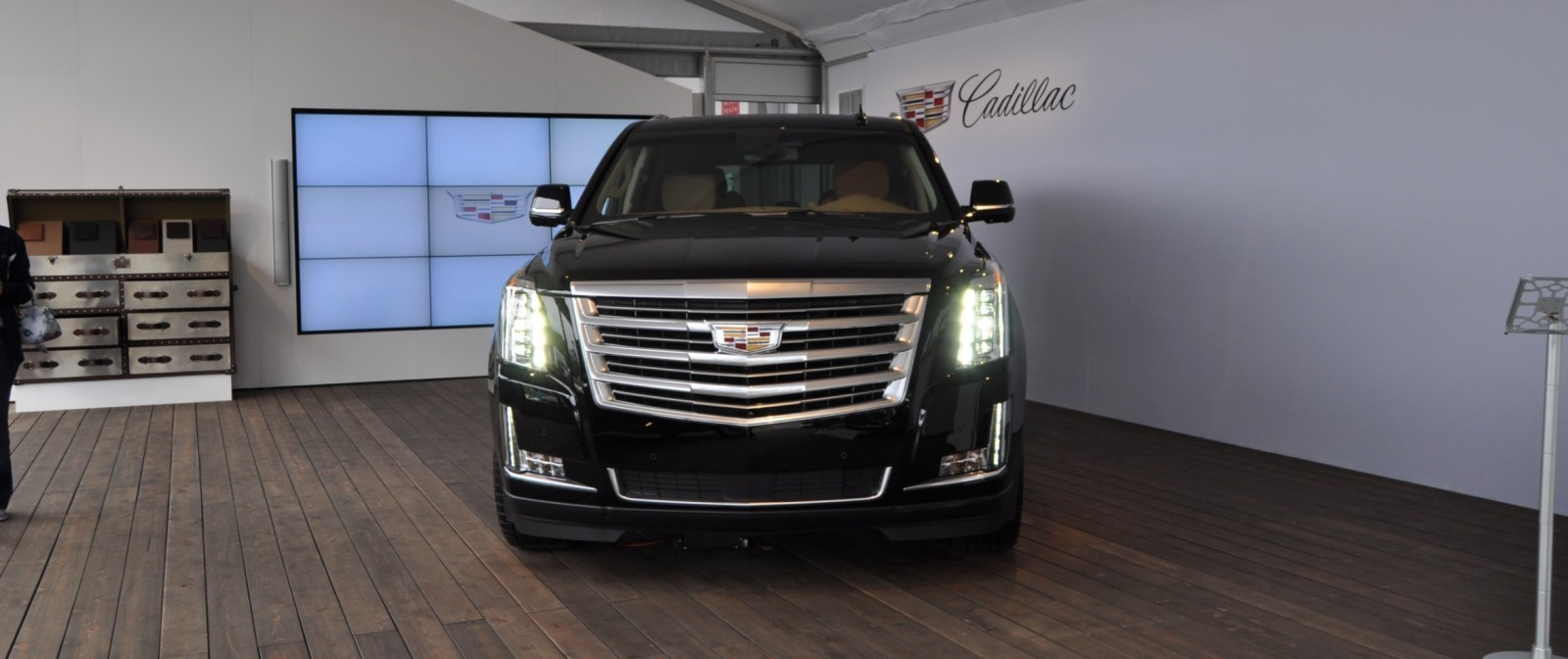 2015 Cadillac Escalade Platinum and Standard Model Unveiled for Pebble Beach 8
