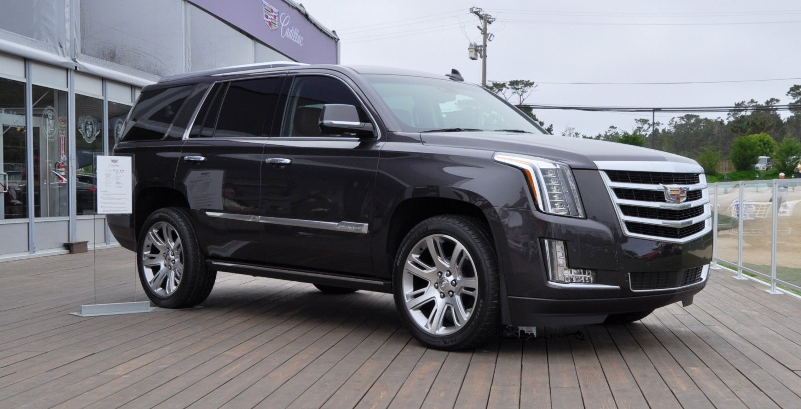 2015 Cadillac Escalade Platinum and Standard Model Unveiled for Pebble Beach 81