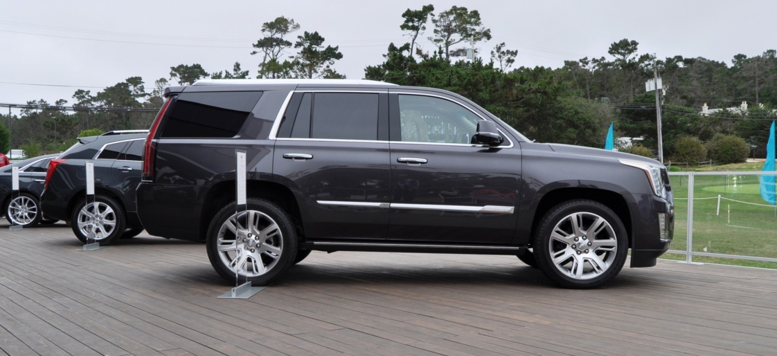 2015 Cadillac Escalade Platinum and Standard Model Unveiled for Pebble Beach 83
