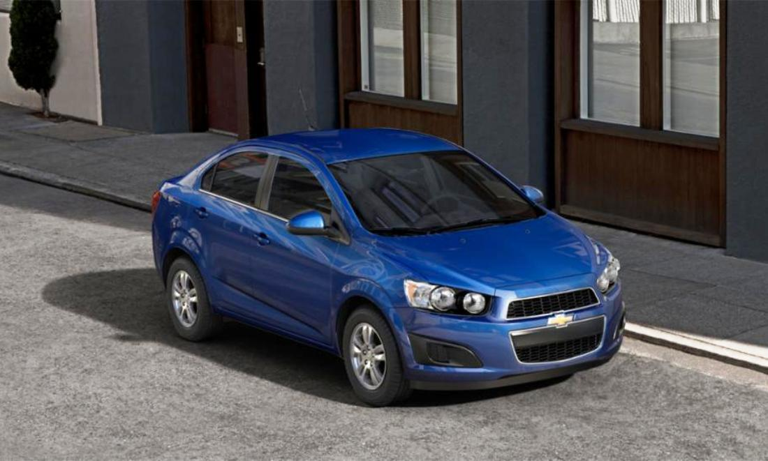 2015 chevy sonic rs sedan colors and buyers guide info 21. Black Bedroom Furniture Sets. Home Design Ideas