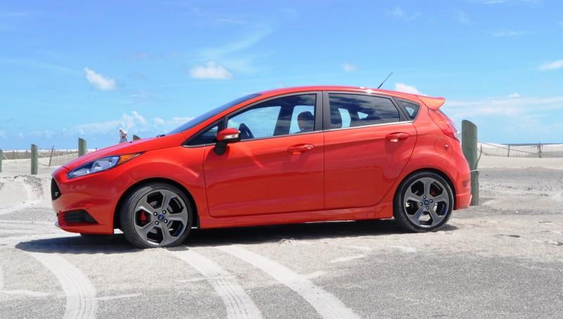 2015 Ford Fiesta ST 22