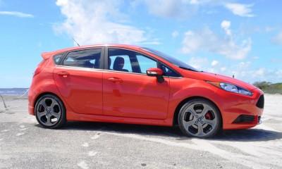 2015 Ford Fiesta ST 28