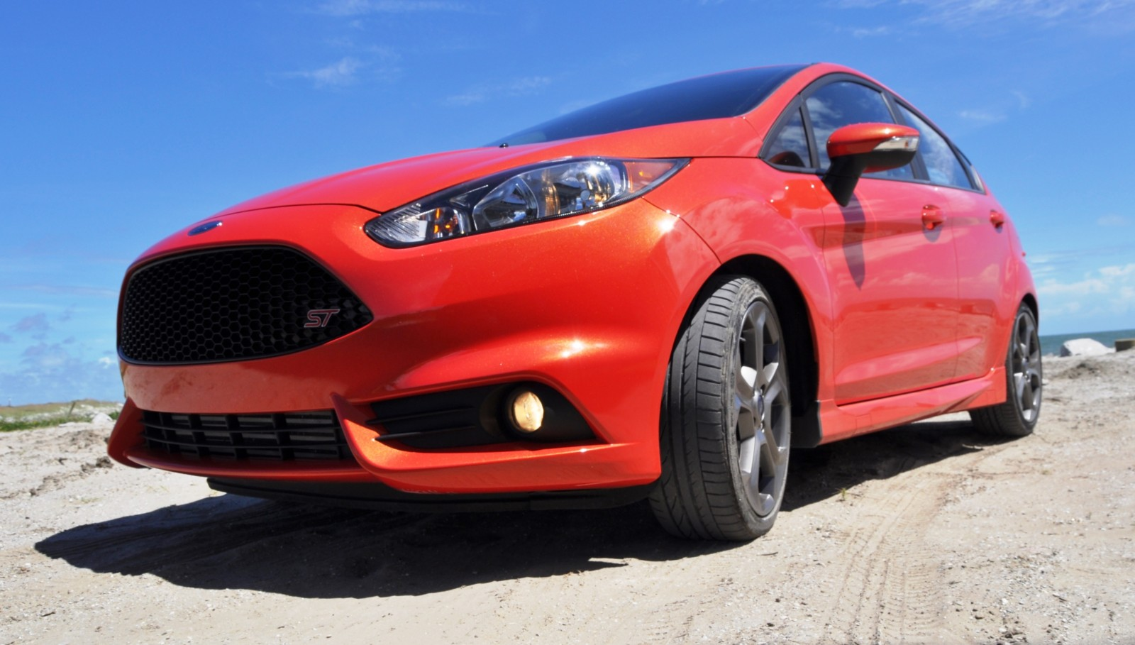 2015 ford fiesta st colors and cabin 9 car revs. Black Bedroom Furniture Sets. Home Design Ideas