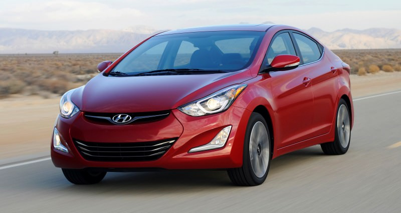 2015 Hyundai Elantra Sedan Brings Classy LED and Tech Updates 13