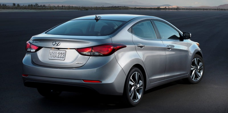 2015 Hyundai Elantra Sedan Brings Classy LED and Tech Updates 16