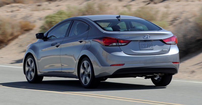 2015 Hyundai Elantra Sedan Brings Classy LED and Tech Updates 17