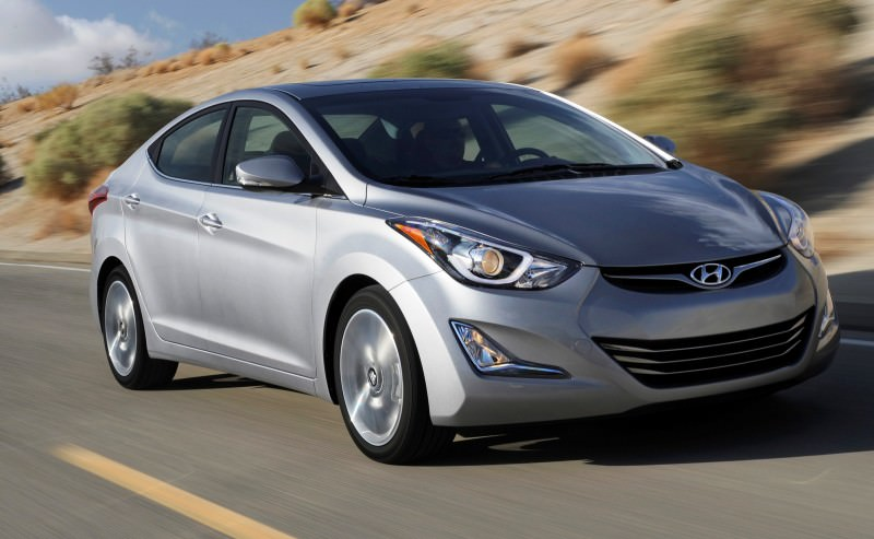 2015 Hyundai Elantra Sedan Brings Classy LED and Tech Updates  4