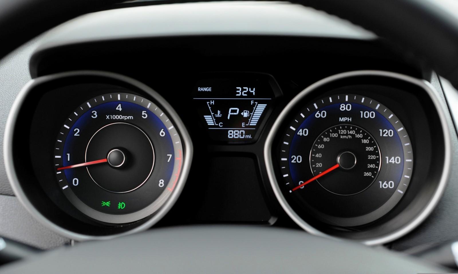 2015 Hyundai Elantra Sedan Brings Classy LED and Tech Updates  41