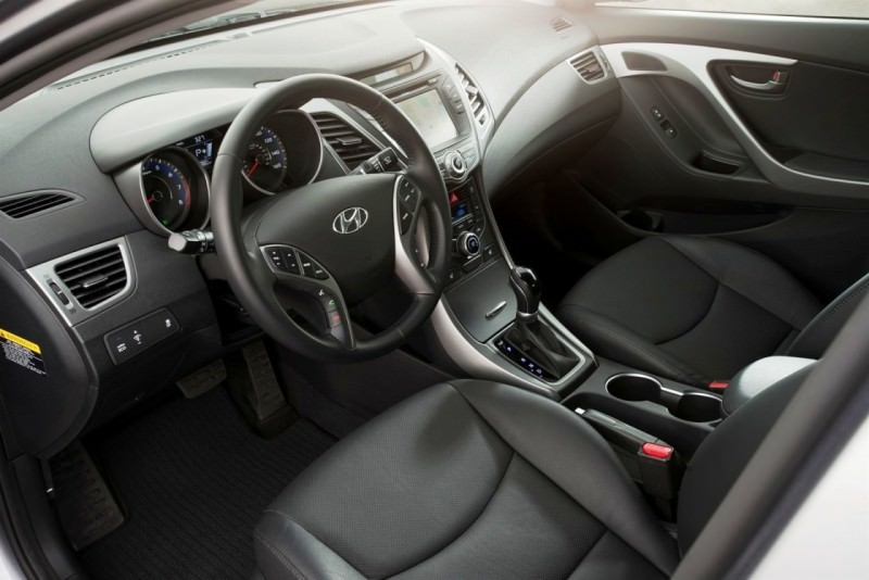 2015 Hyundai Elantra Sedan Brings Classy LED and Tech Updates  46