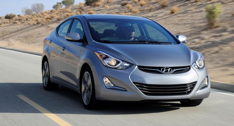 2015 Hyundai Elantra Sedan Brings Classy LED and Tech Updates  7