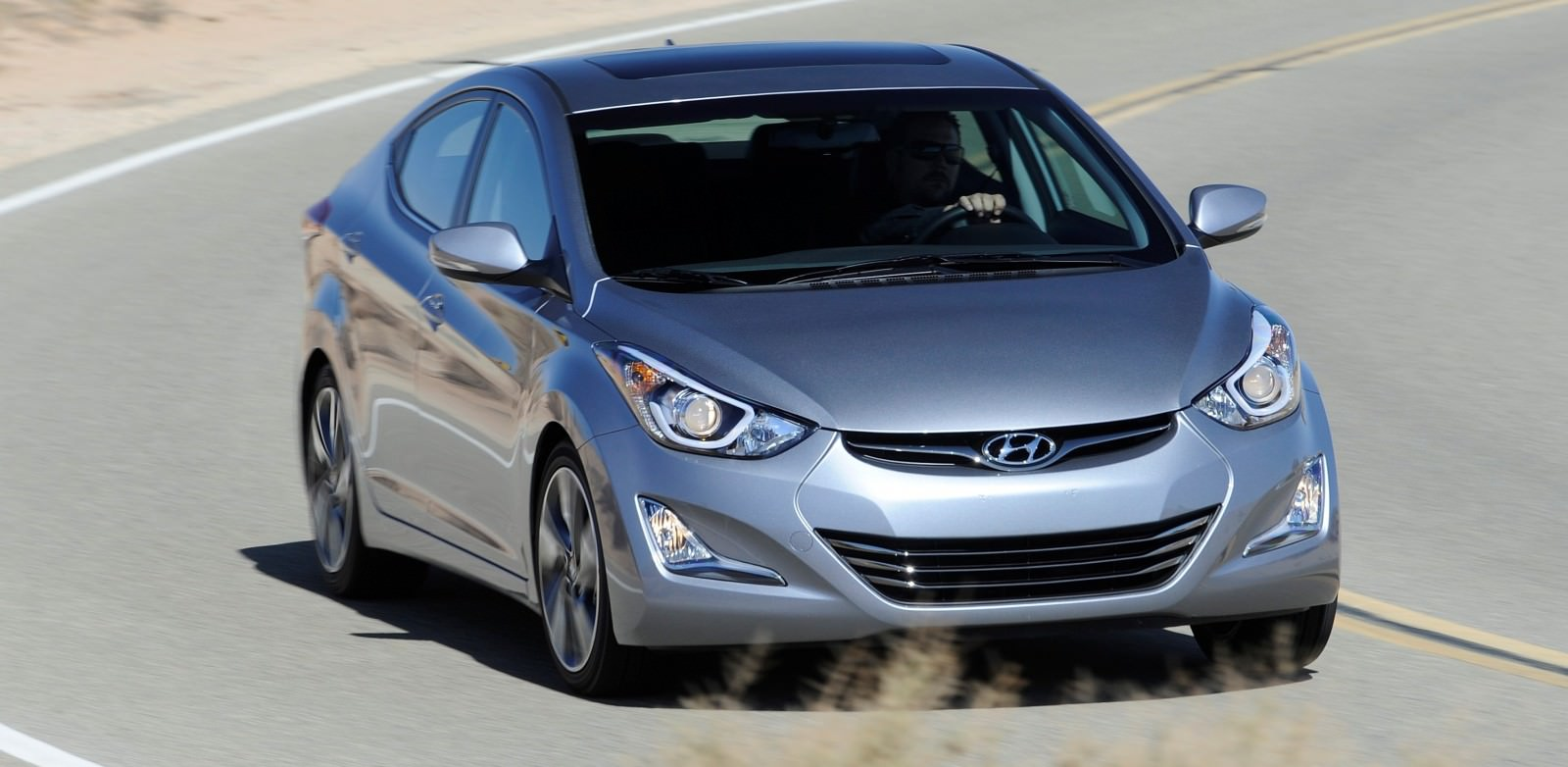 2015 Hyundai Elantra Sedan Brings Classy LED and Tech Updates  9