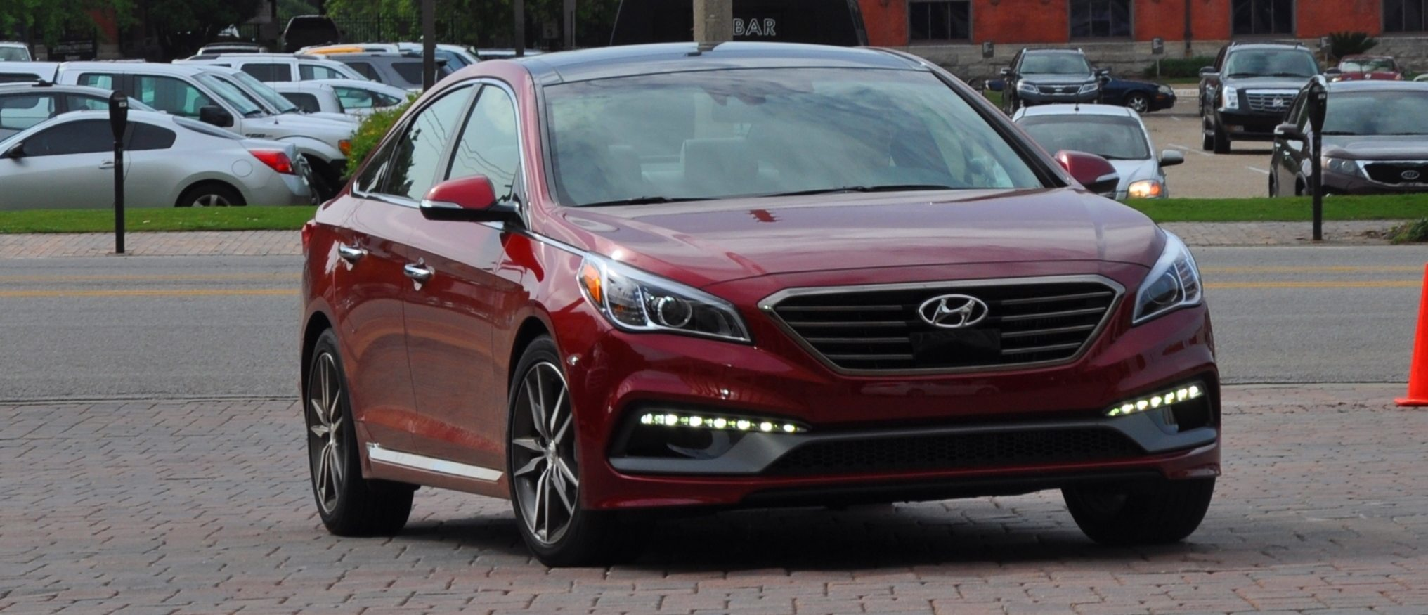 Road Test Review 2015 Hyundai Sonata Interior Focus