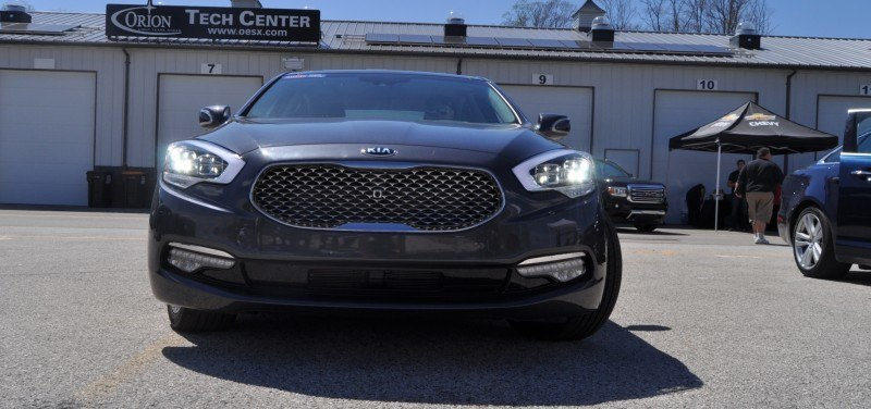 2015 Kia K900 LED Lighting Low, High and Brake Light Photos 15