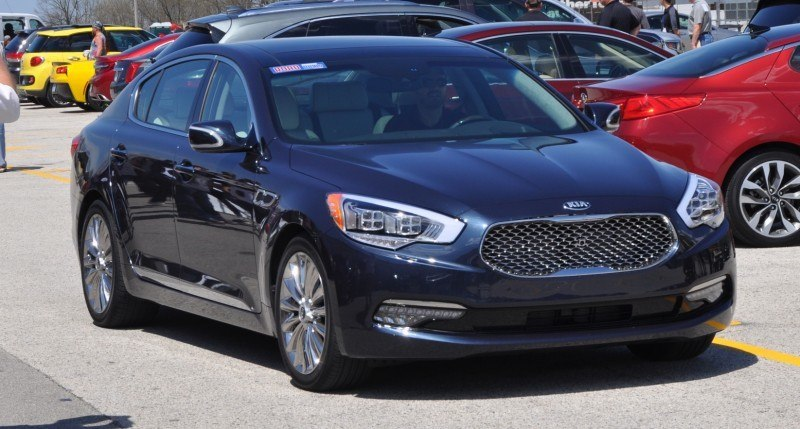 2015 Kia K900 LED Lighting Low, High and Brake Light Photos 6