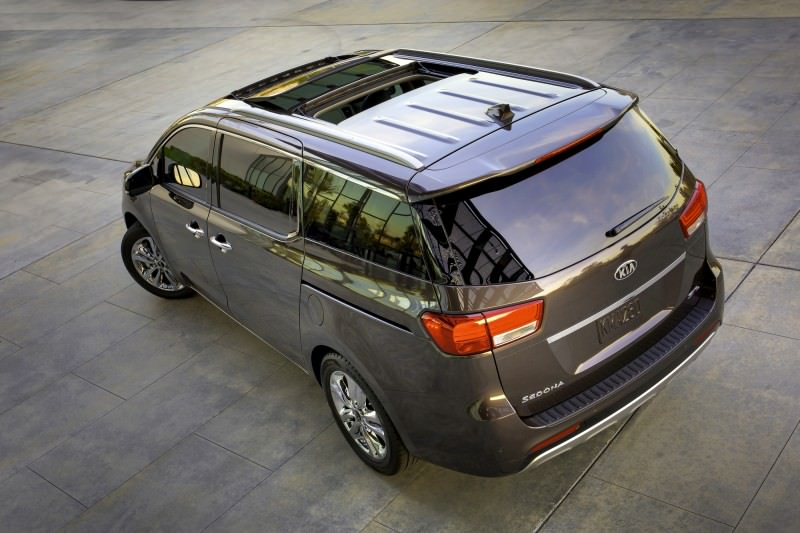 2015 Kia Sedona Becomes Seriously Competitive With Lux Style, Tech and Cabin Space 10