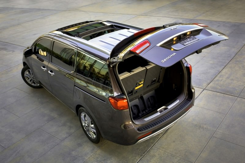 2015 Kia Sedona Becomes Seriously Competitive With Lux Style, Tech and Cabin Space 11