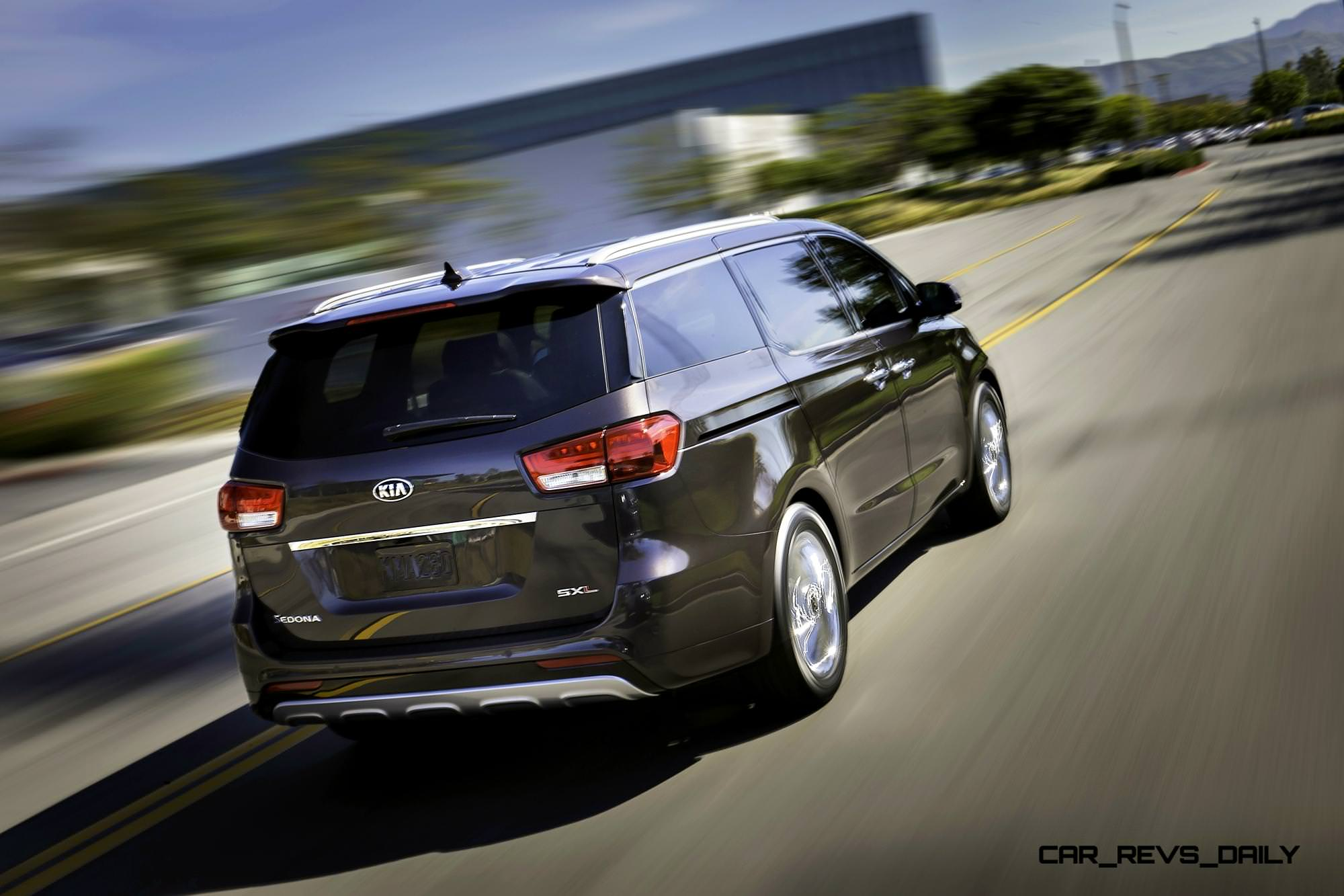 2015 Kia Sedona Becomes Seriously Competitive With Lux Style, Tech