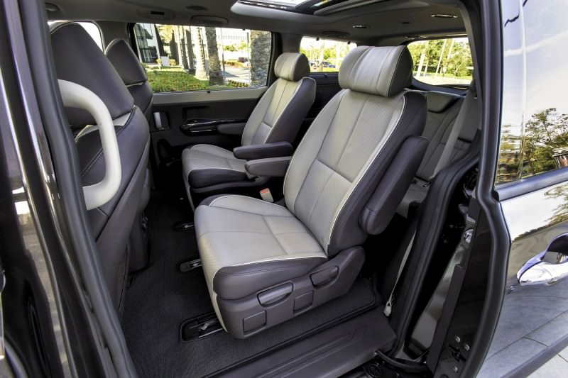 2015 Kia Sedona Becomes Seriously Competitive With Lux Style, Tech and Cabin Space 16
