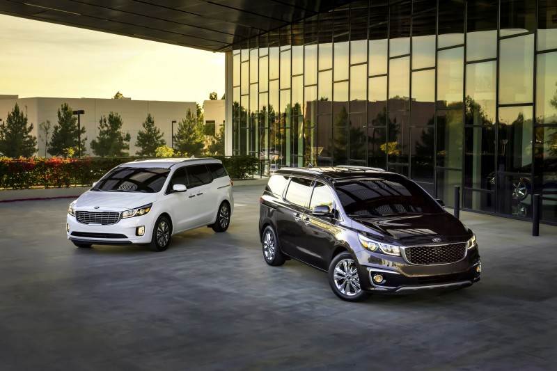 2015 Kia Sedona Becomes Seriously Competitive With Lux Style, Tech and Cabin Space 32