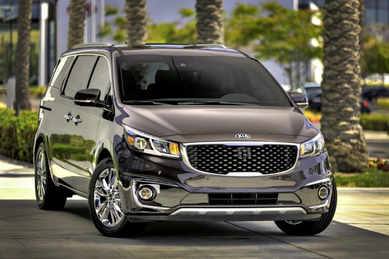 2015 Kia Sedona Becomes Seriously Competitive With Lux Style, Tech and Cabin Space 4