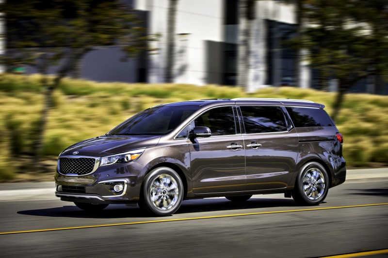 2015 Kia Sedona Becomes Seriously Competitive With Lux Style, Tech and Cabin Space 6