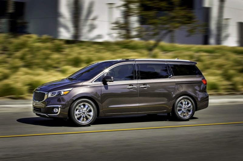 2015 Kia Sedona Becomes Seriously Competitive With Lux Style, Tech and Cabin Space 8