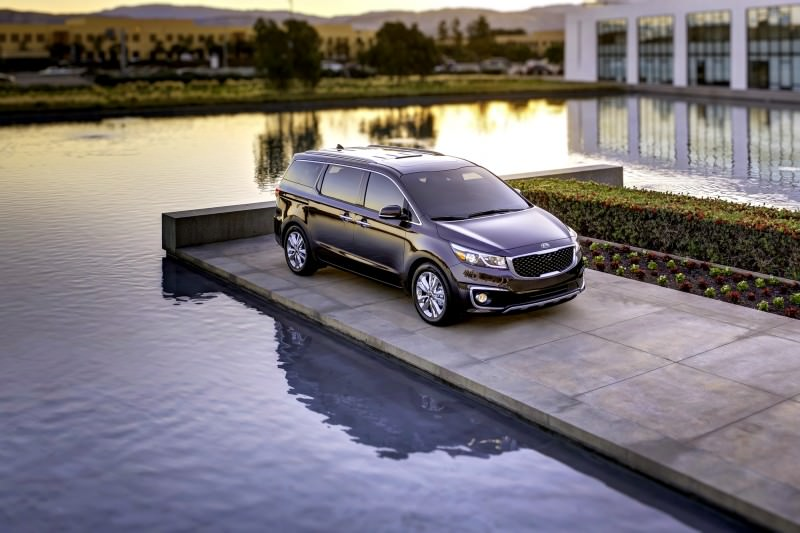 2015 Kia Sedona Becomes Seriously Competitive With Lux Style, Tech and Cabin Space 9