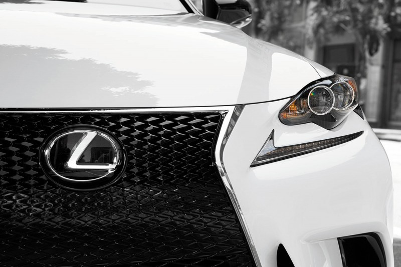 2015 Lexus Crafted Line Debuts at Pebble Beach with Five TUMI-Styled Production Models 8
