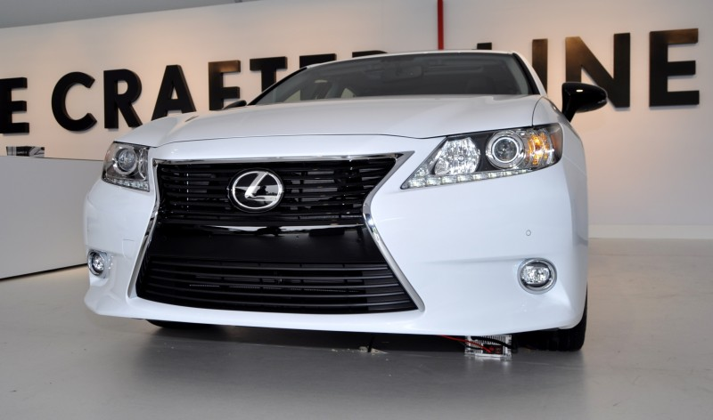 2015 Lexus ES Crafted Line 11