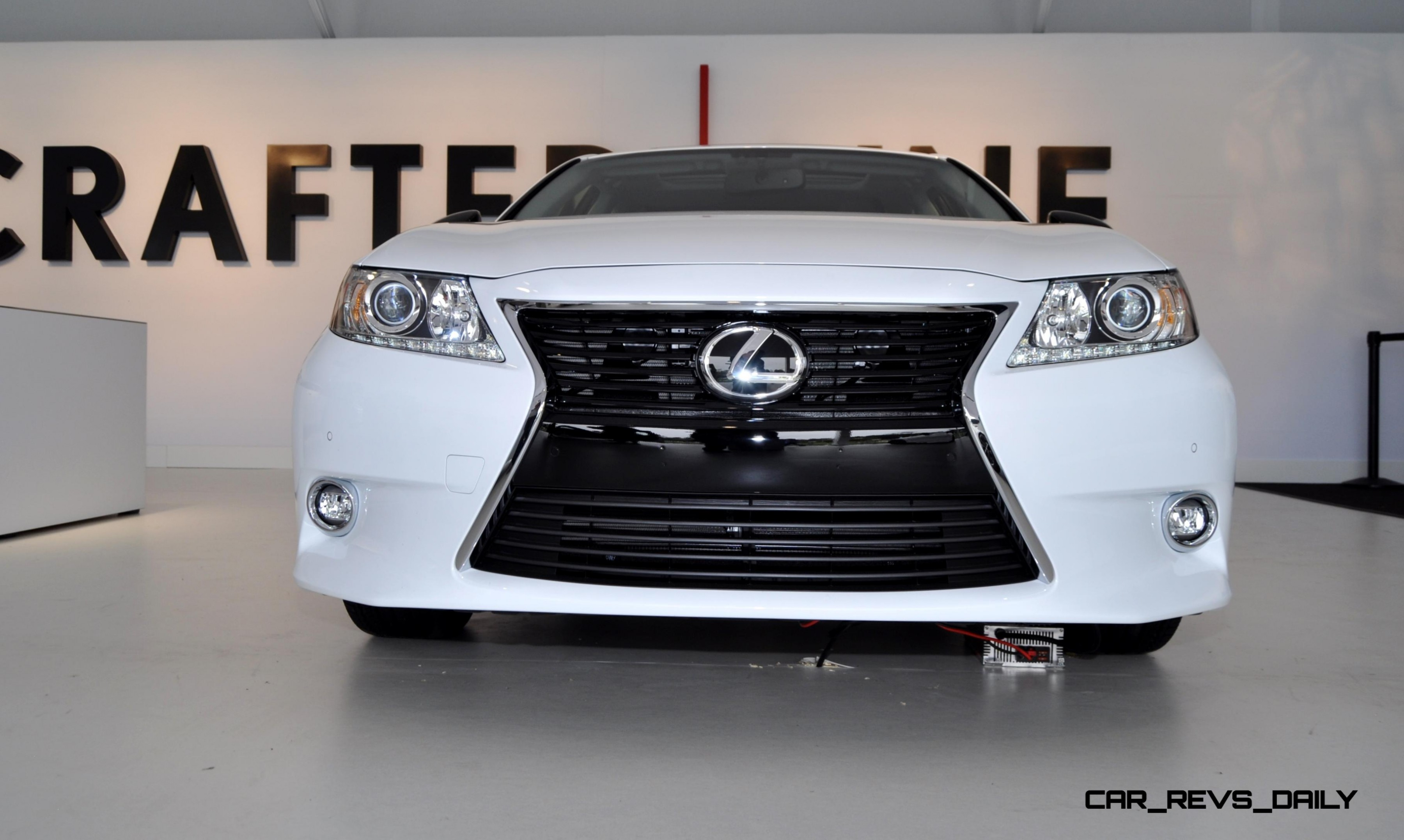 2015 Lexus ES Crafted Line 8