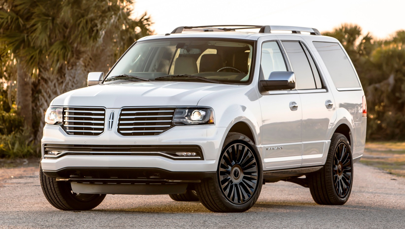 2015 lincoln navigator power confirmed at 380hp and 460 lb. Black Bedroom Furniture Sets. Home Design Ideas