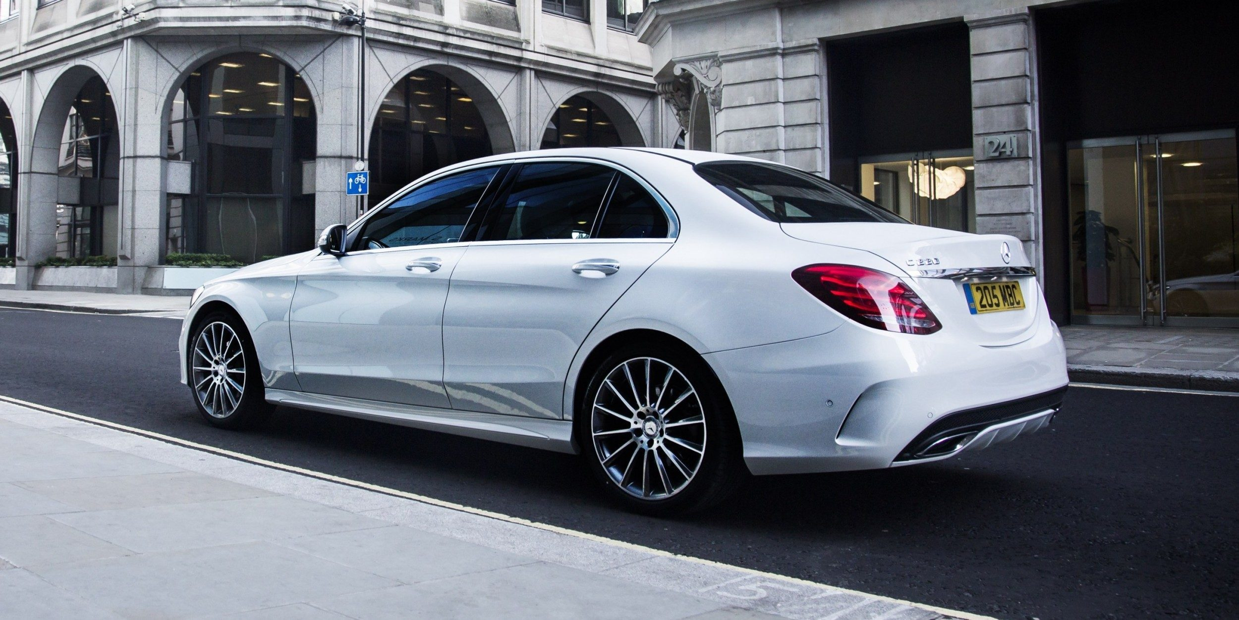 Car dealers london new amp used car dealers in london for Mercedes benz new london ct