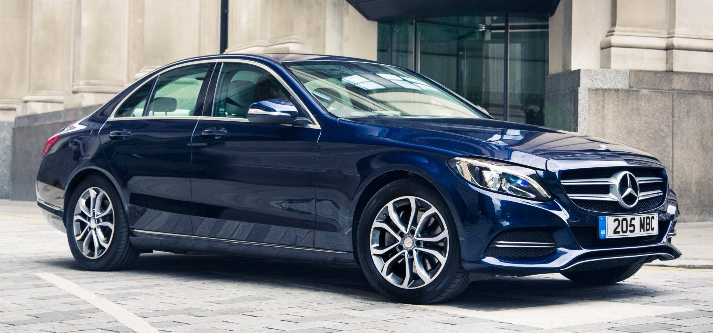 2015 mercedes benz c class in 40 new photos from london for Mercedes benz plant salary