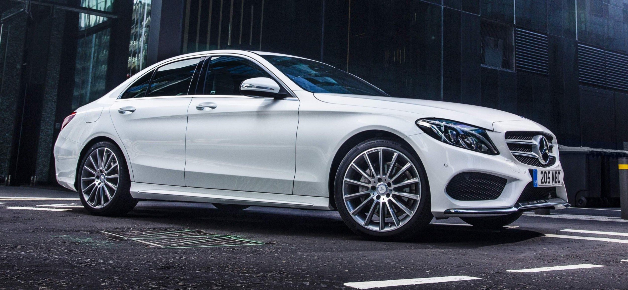 2015 mercedes benz c class in 40 new photos from london for Mercedes benz new cars 2015