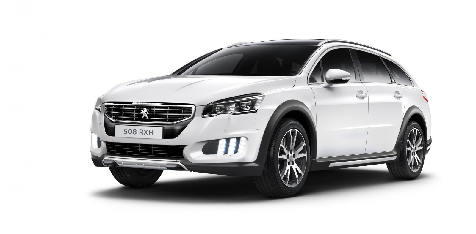 2015 Peugeot 508 Facelifted With New LED DRLs, Box-Design Beams and Tweaked Cabin Tech 12
