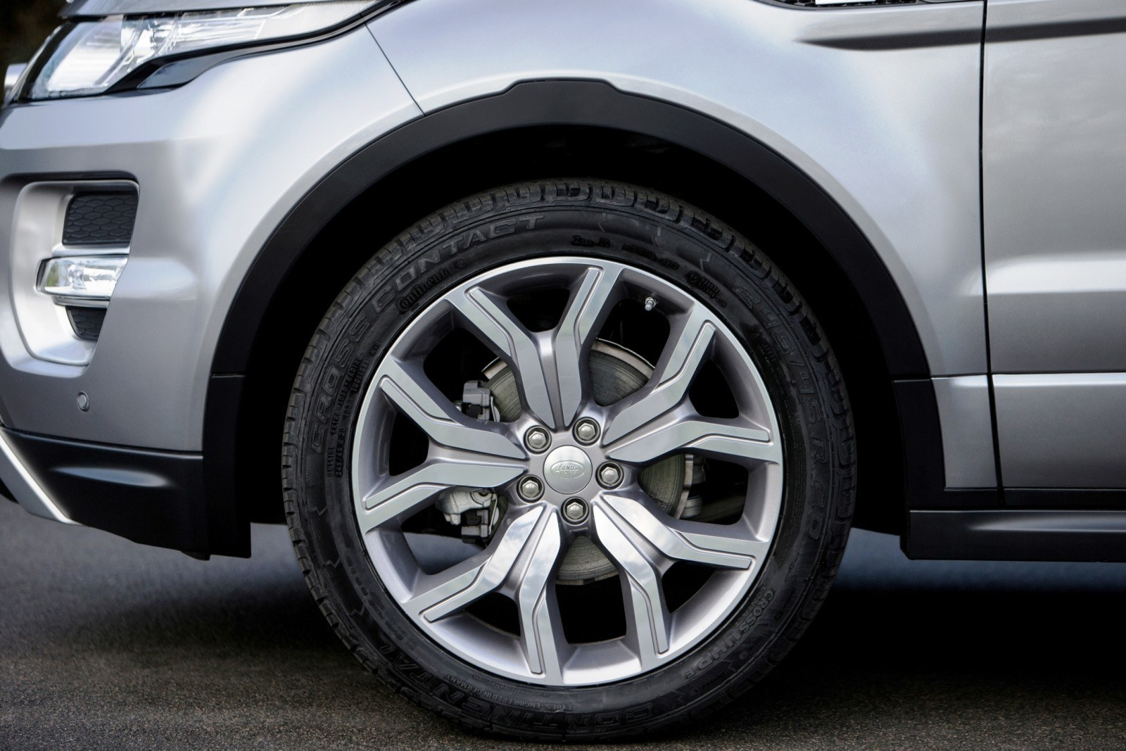2015 Range Rover Evoque Gains 9-Speed Auto, Refreshed Info Tech and Boosted Engine HP 10