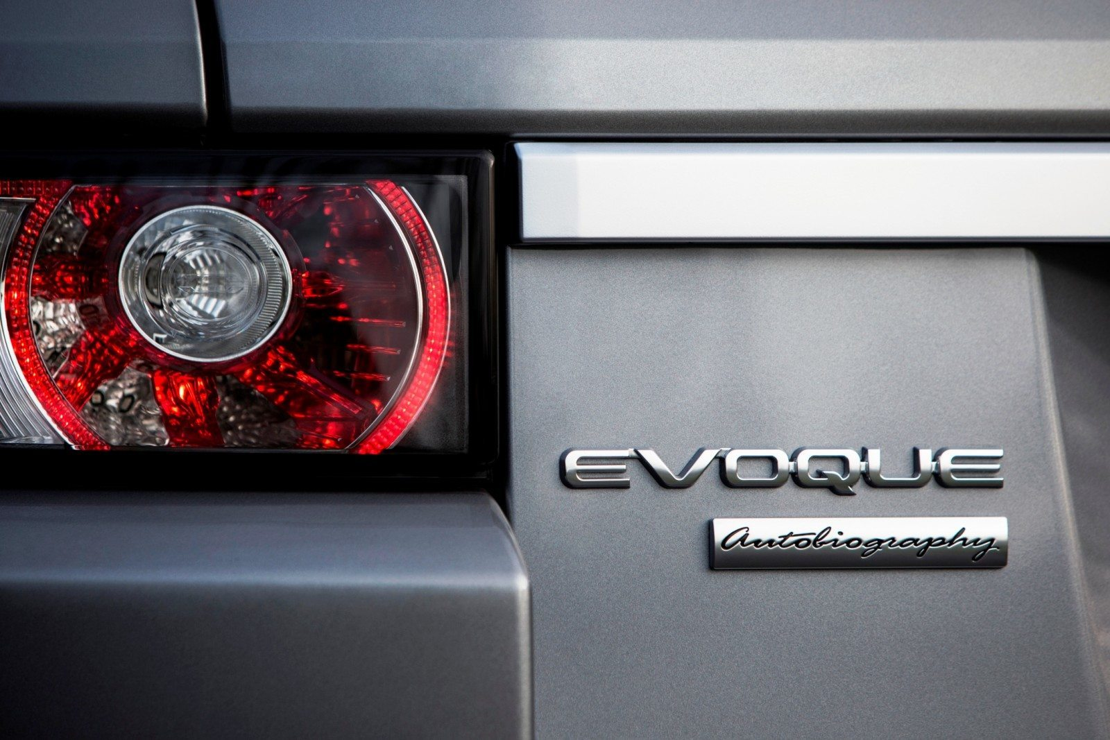 2015 Range Rover Evoque Gains 9-Speed Auto, Refreshed Info Tech and Boosted Engine HP 12