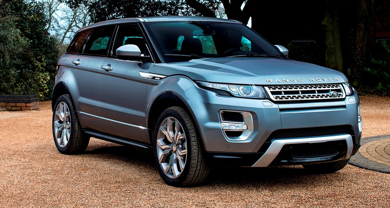 2015 Range Rover Evoque Gains 9-Speed Auto, Refreshed Info Tech and Boosted Engine HP 2