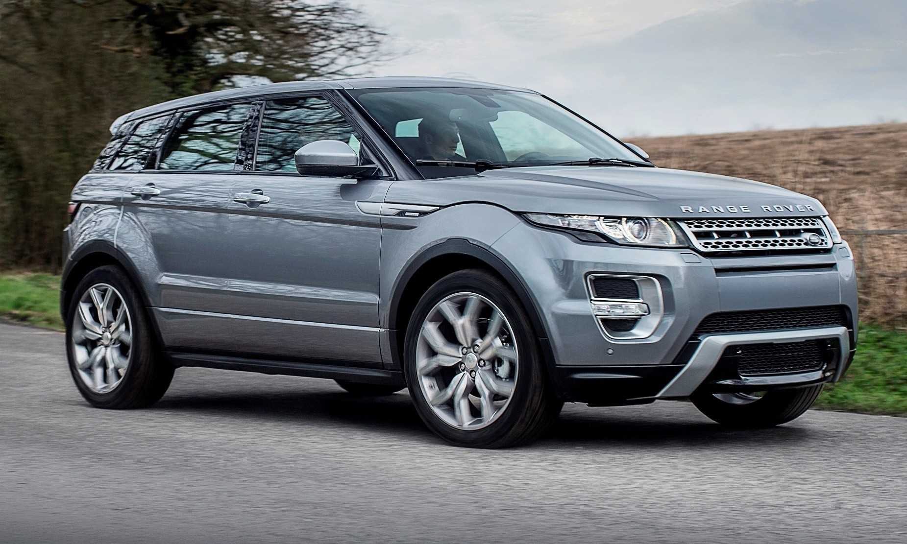 Range Rover Evoque Price >> 2015 Range Rover Evoque Gains 9-Speed Auto, Refreshed Info Tech and Boosted Engine HP